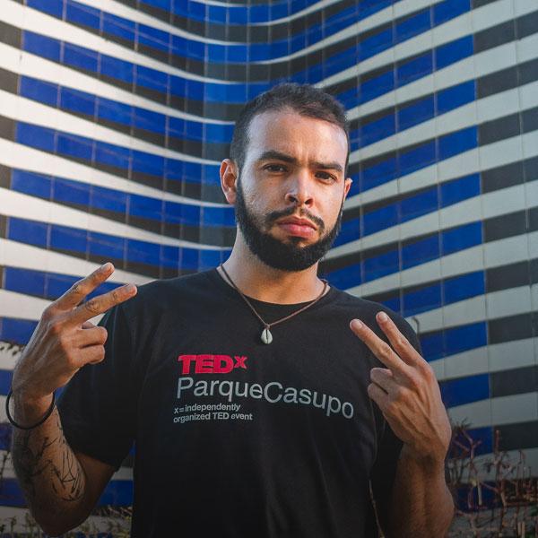 Hendryk Valenzuela - Director de Experiencia TEDxParqueCasupo